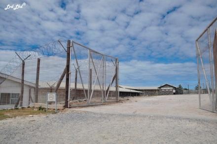 3-entree-prison